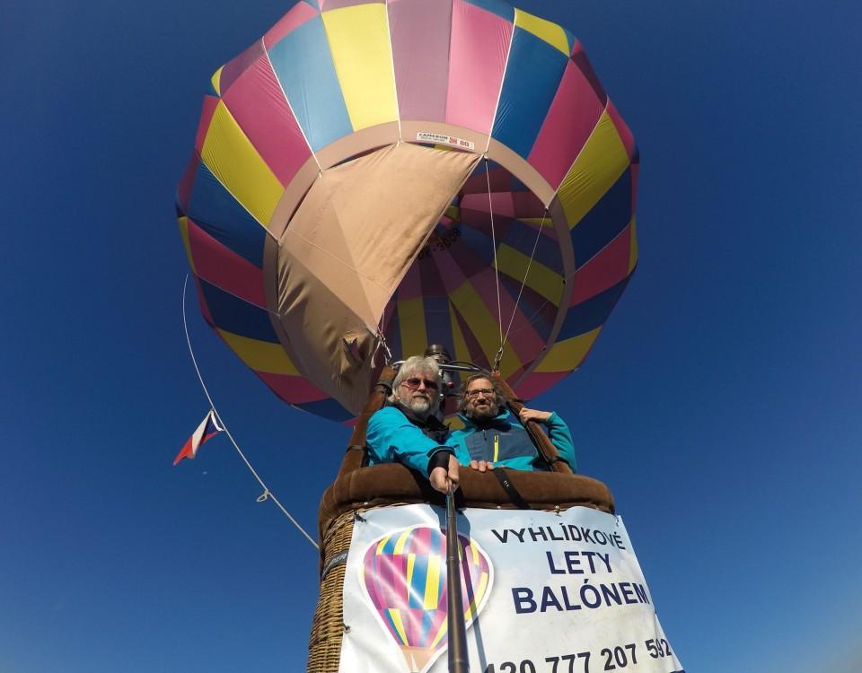 Let balónem přes Sněžku